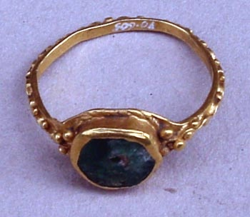 Anel castro Viladonga, ouro con prasio verde, séculos II-IV d. C